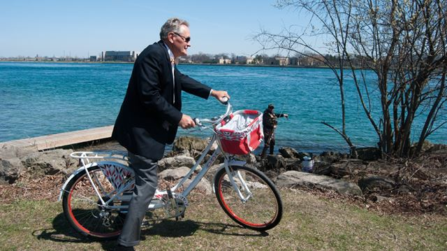 Politicians peddle improvements to Niagara bike paths image