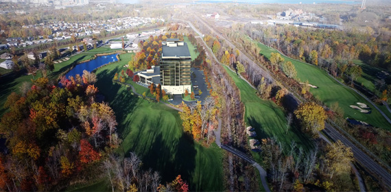 Thundering Waters Golf Course and Upper Vista Luxury Condos on the 18th.